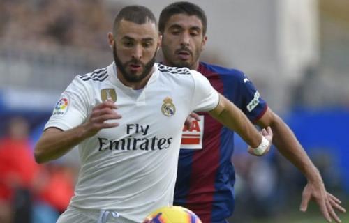 Karim Benzema, Akan Menyamakan Performa Christiano Ronaldo dengan membawa modal awal Cetak 17 Gol