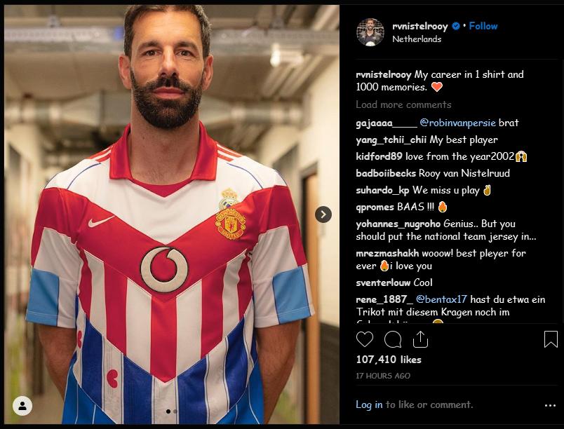 Salah Satu Mantan Striker Manchester United Mengenang Kariernya dengan Buat Jersey Unik