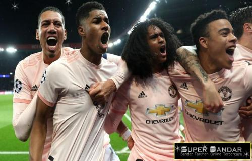 Manchester United Bantai PSG Kandang Sendiri