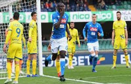 Hasil Liga Italia : Kalahkan Chievo 3-1, Napoli Tunda Scudetto Juventus