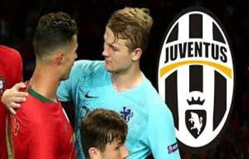 Matthijs De Ligt akan berlabuh ke Juventus