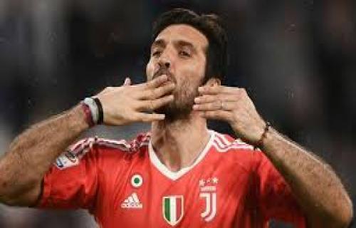 Gianluigi Buffon Jalani Tes Medis di Juventus