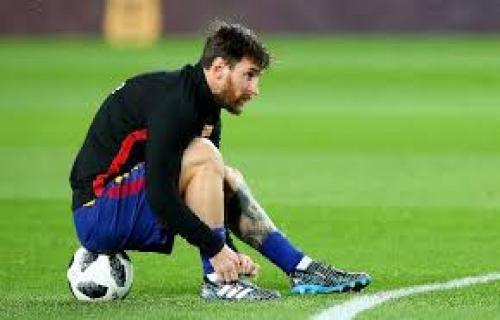Baru mulai latihan, Messi cedera betis