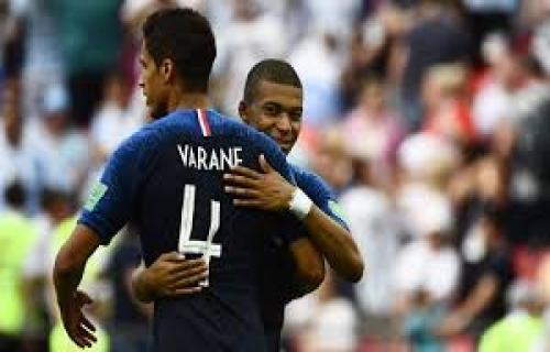 Raphael Varane Ajak Kylian Mbappe Gabung Real Madrid