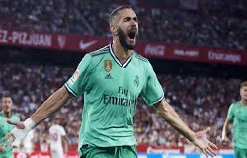 Jadi Pahlawan Madrid, Benzema Samai Rekor Gol Messi